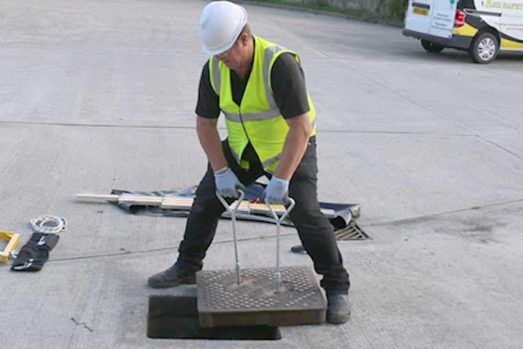 Multi Tip Manhole Key Pack in use
